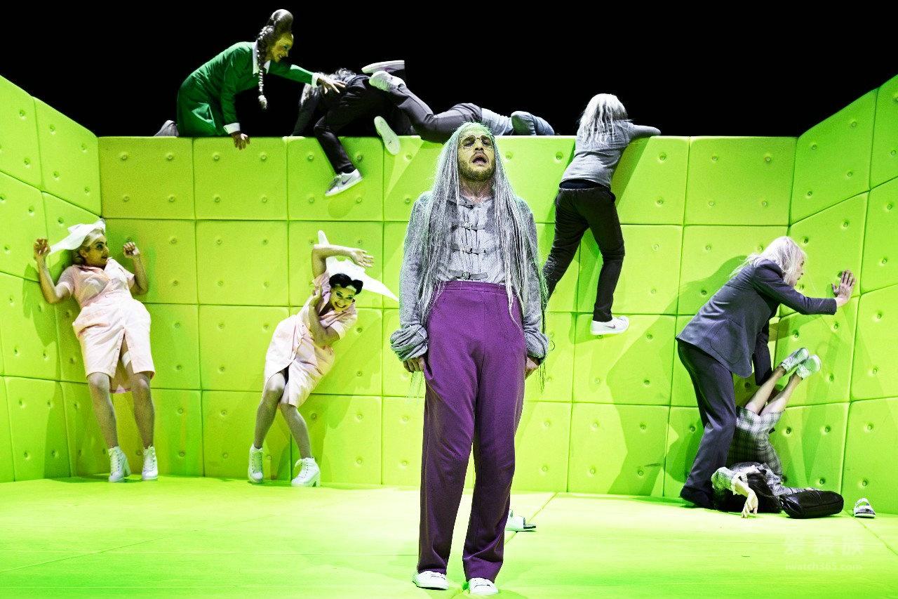 梅花—TITONI为2015乌镇戏剧节《物理学家》提供赞助