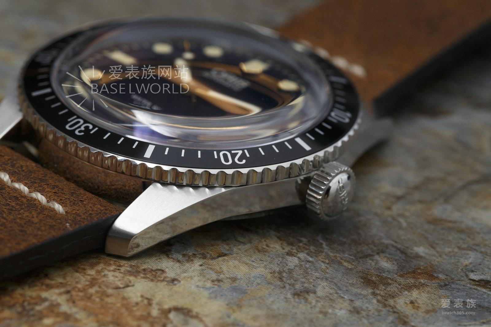爱表评测——豪利时潜水系列Sixty-Five 42mm腕表