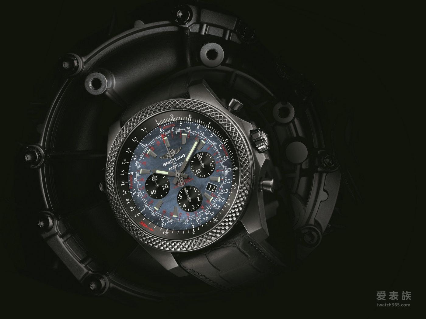 劲黑魅力 百年灵宾利 B06 计时腕表午夜黑碳版