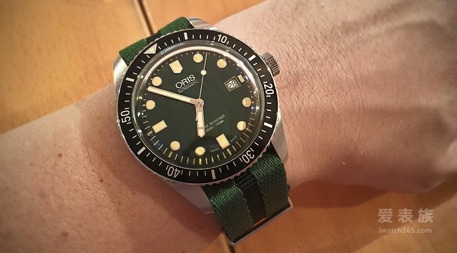 低配绿水鬼——豪利时潜水系列Divers Sixty-Five绿盘腕表