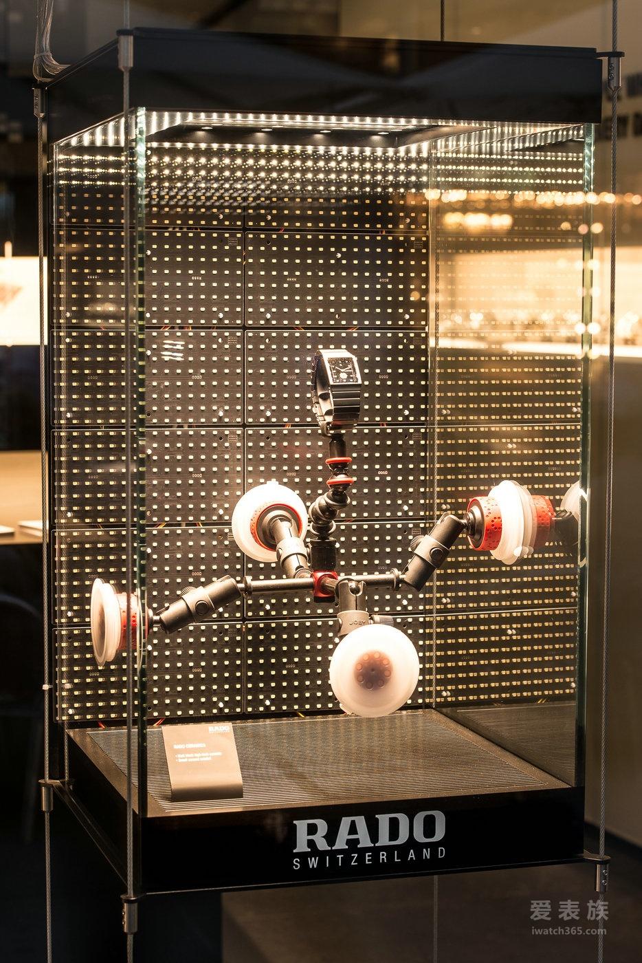 RADO 瑞士雷达表携手国际知名工业设计师康士坦丁·葛切奇 Ceramica 整体陶瓷系列全新腕表惊艳亮相维也纳设计周