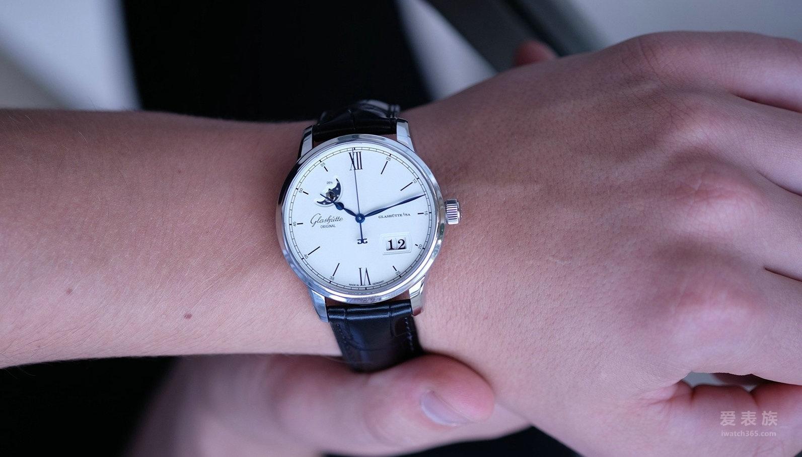为卓越而生——格拉苏蒂参议员卓越系列大日历&月相腕表
