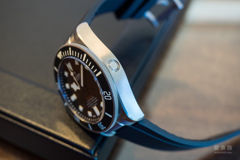 左撇子专属——帝舵Pelagos系列LHD'左撇子'25610TNL潜水腕表