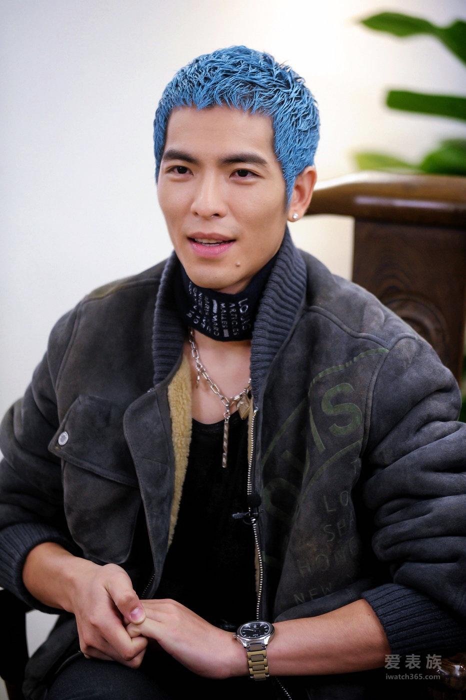 萧敬腾于浙江卫视《梦想的声音》节目中配戴Piaget Polo S腕表