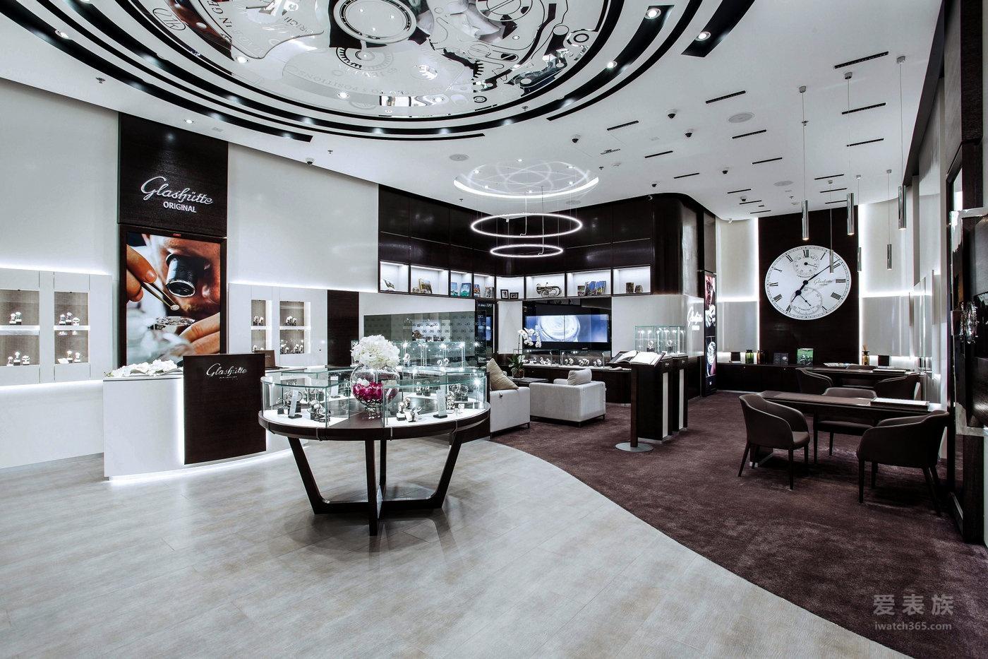 格拉苏蒂原创迪拜专卖店重装揭幕 卓越德国制表艺术闪耀阿联酋