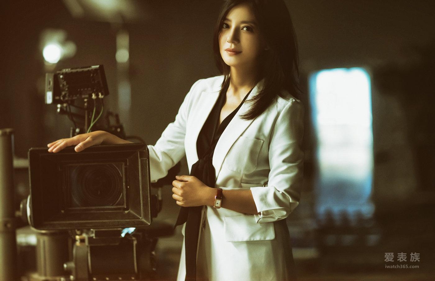 翻转之间 玲珑如一 积家品牌大使赵薇演绎灵动优雅的女性魅力