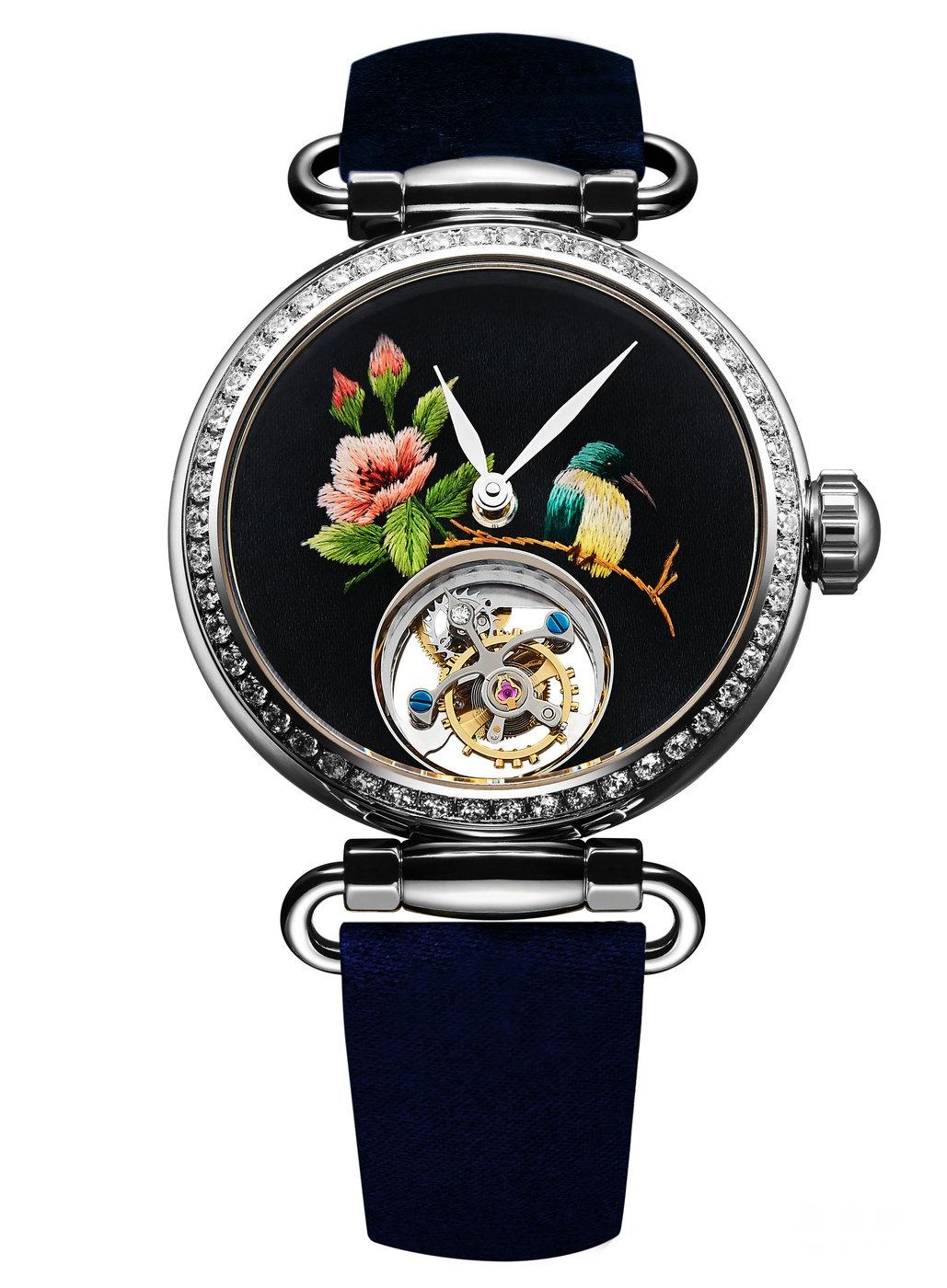 """在外观设计领域,海鸥也不乏深具设计创意的腕表作品,""""润世""""腕表以中国"""
