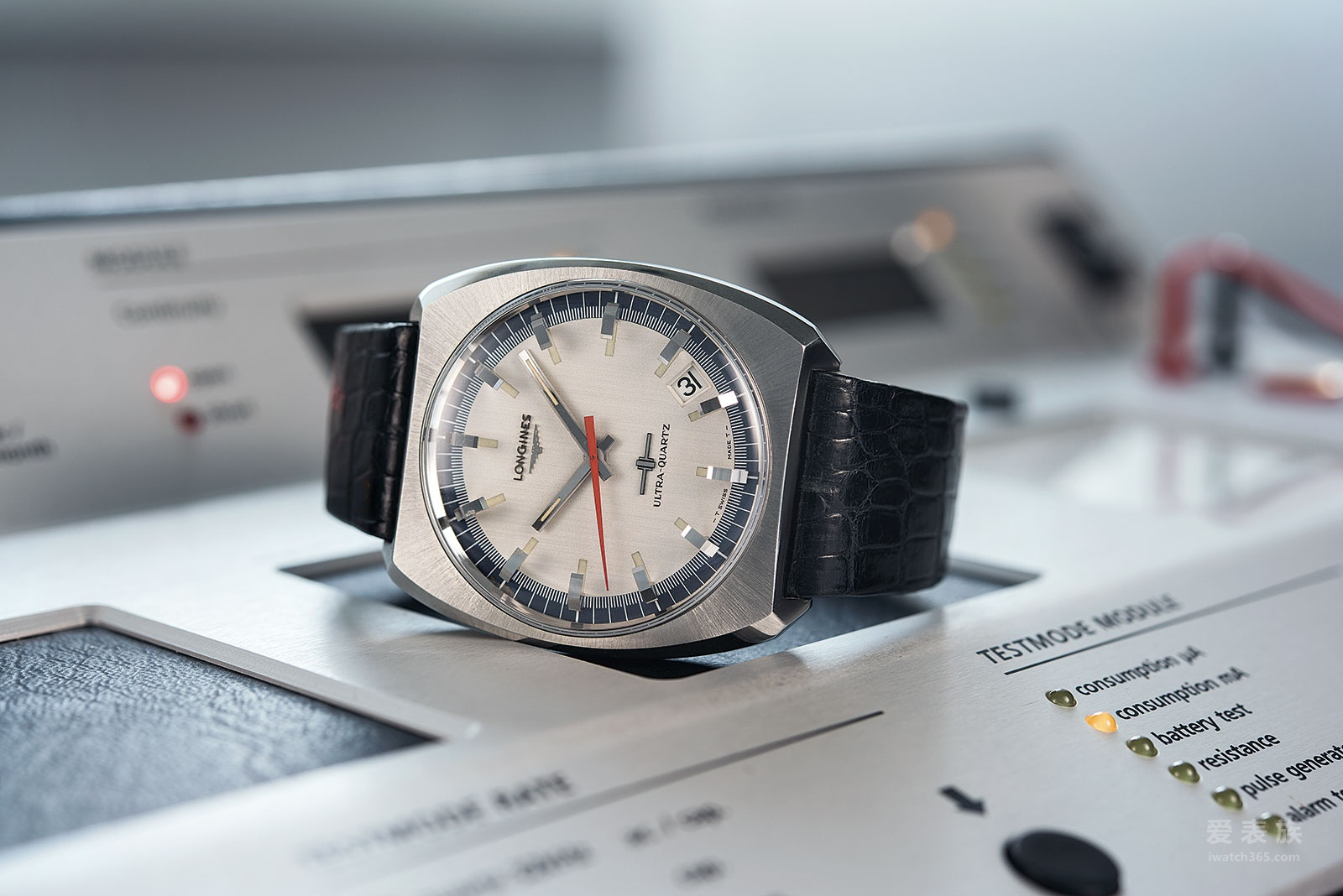 石英次世代——全新浪琴康卡斯系列V.H.P.石英腕表