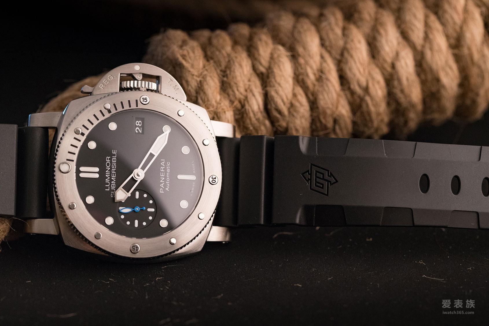 小改动大改变——沛纳海Luminor Submersible 1950系列3日链PAM00682自动腕表