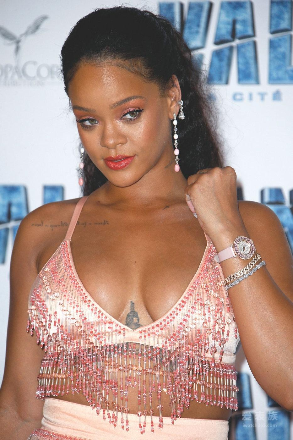 蕾哈娜(Rihanna)佩戴Chopard萧邦珠宝及腕表出席《星际特工:千星之城》