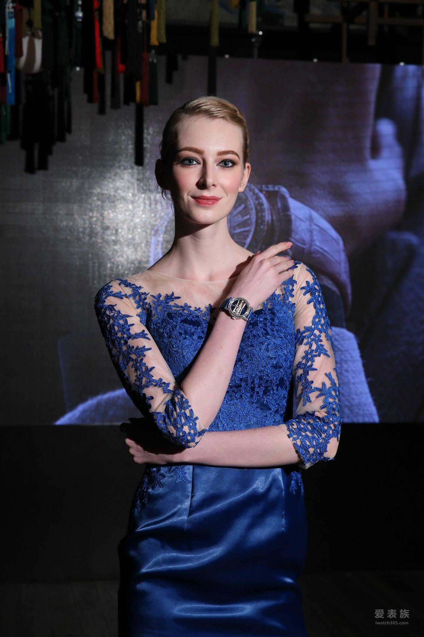 优雅奢华 从容隽永CORUM昆仑表39毫米金桥圆形腕表挚献国际妇女节