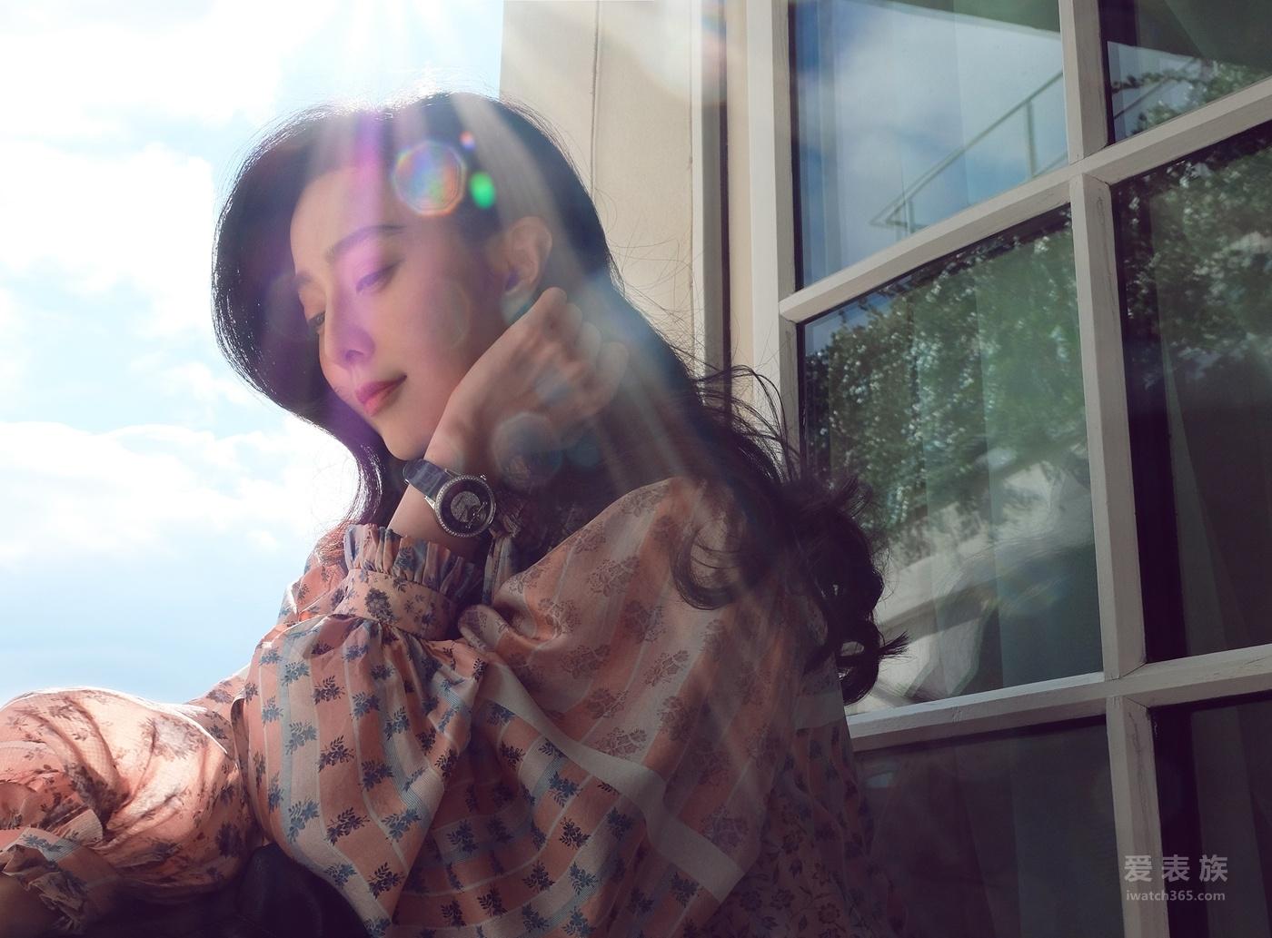 范冰冰佩戴万宝龙宝曦系列外置框架陀飞轮超薄腕表亮相2018巴黎时装周