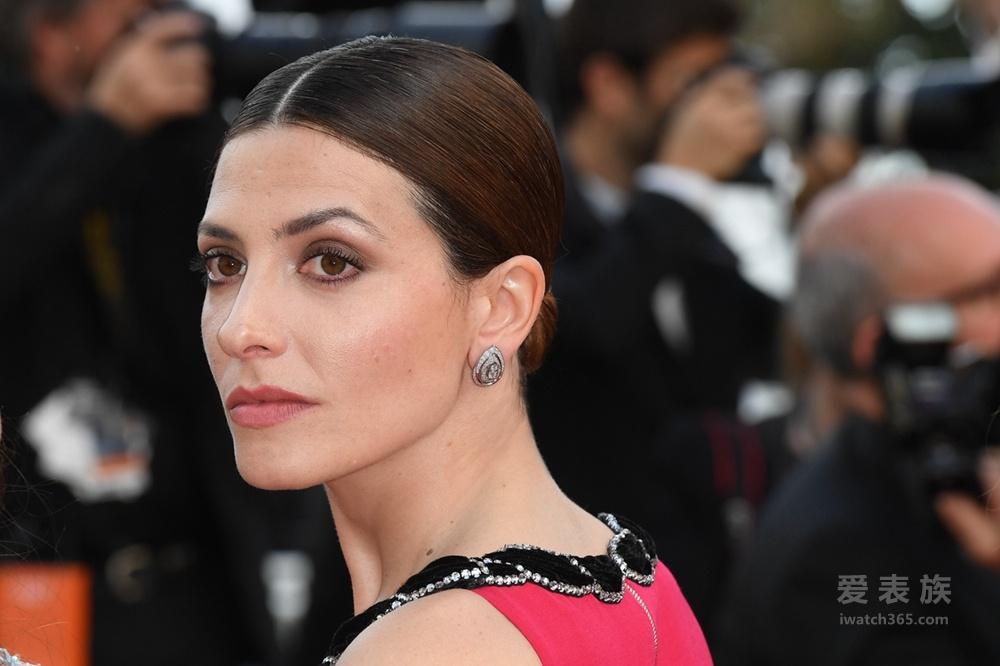 戛纳实力派西班牙著名演员芭芭拉•蓝妮以CHAUMET珠宝伴身出席
