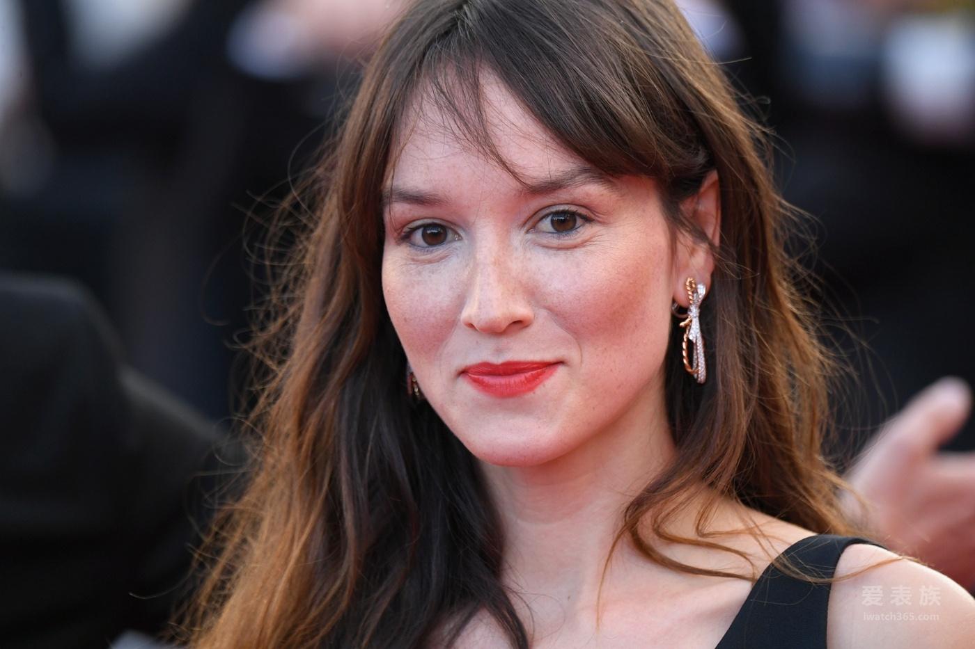 以CHAUMET珠宝为伴出席第71届戛纳国际电影节