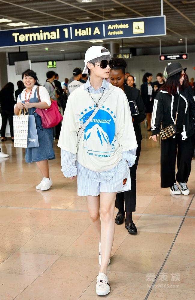 李宇春现身马赛机场出席Gucci时装秀