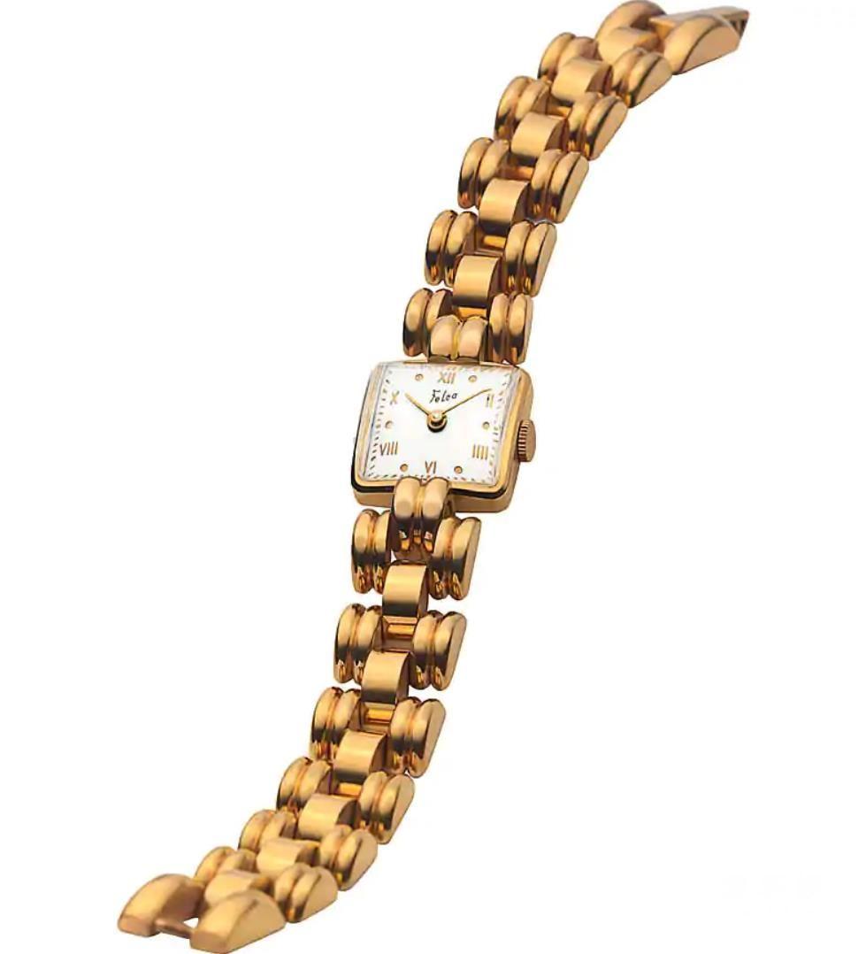 20世纪30年代的18K黄金女士腕表反映了女性时尚的变化。