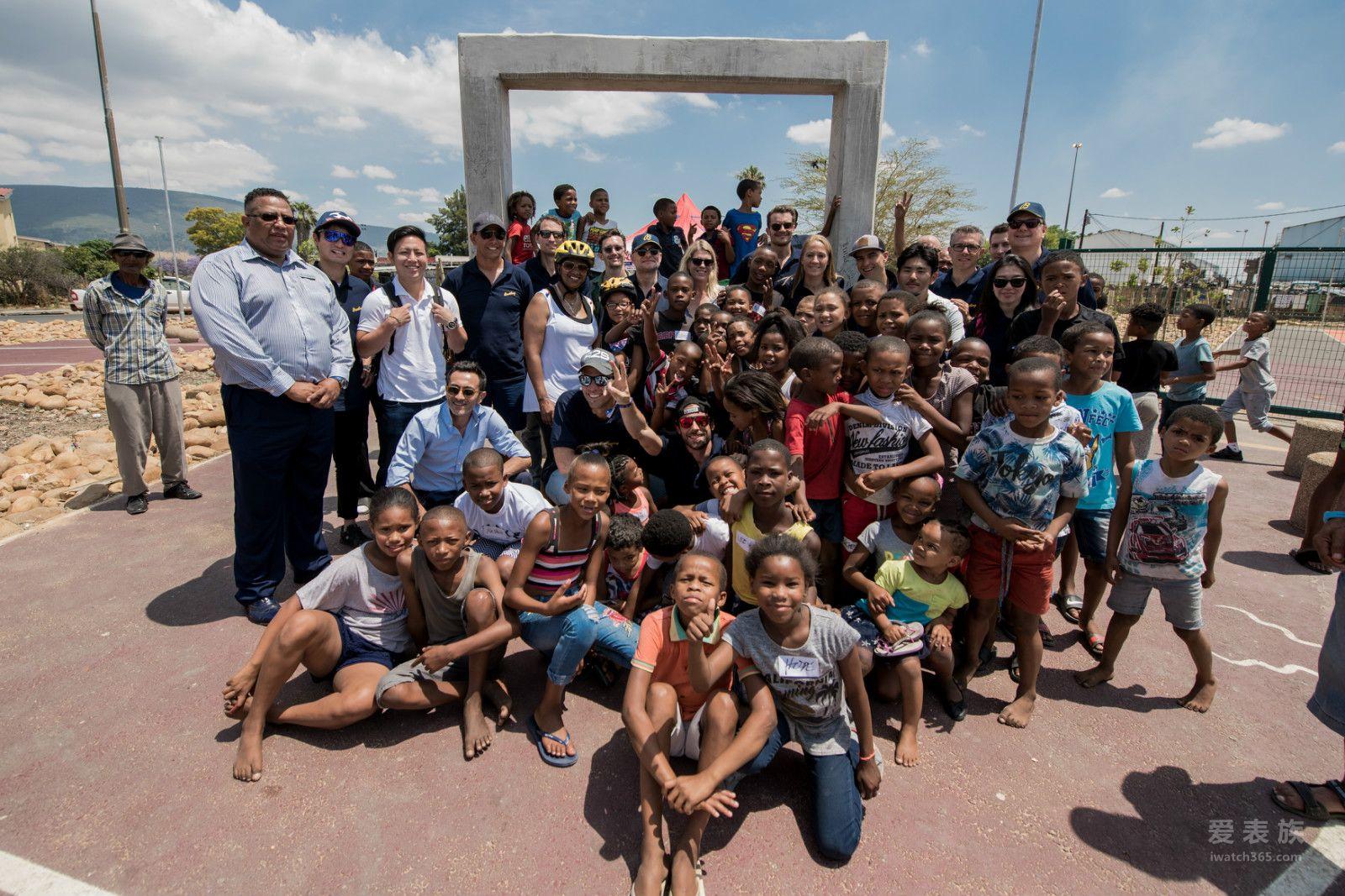 百年灵铁人三项行动队为南非慈善机构库贝卡QHUBEKA助力