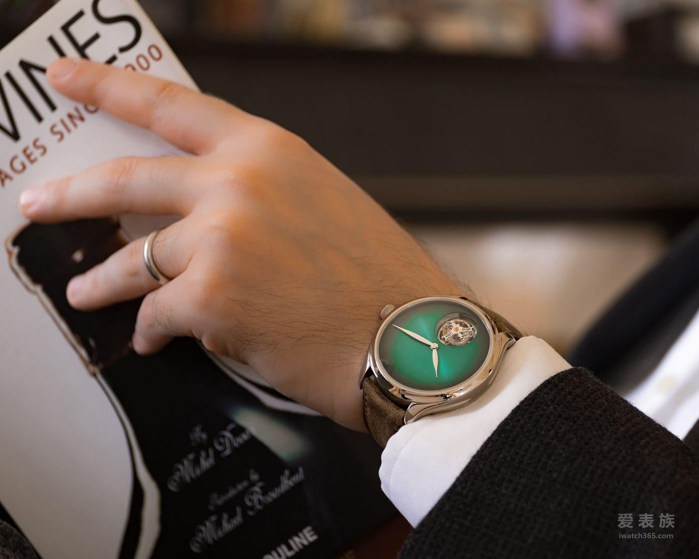 亨利慕时勇创者陀飞轮宇宙绿概念腕表