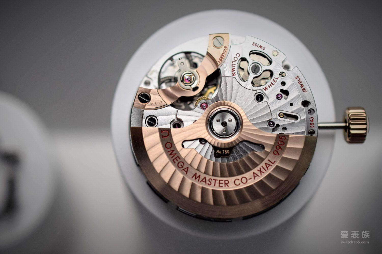 18. Cal.9905自动同轴计时月相机芯