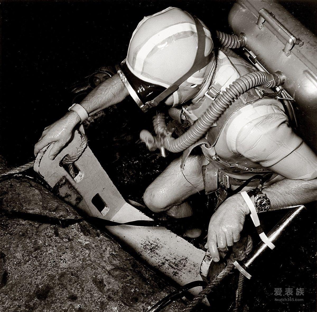 """致敬蛙人精神,再现铁血军魂 宝珀Blancpain推出五十噚系列""""蛙人突击队""""限量腕表"""
