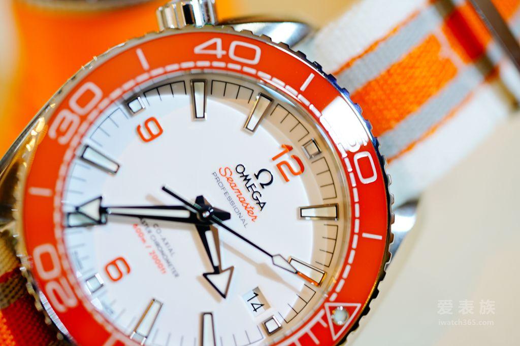 全新海马系列海洋宇宙600米腕表经典橙色款