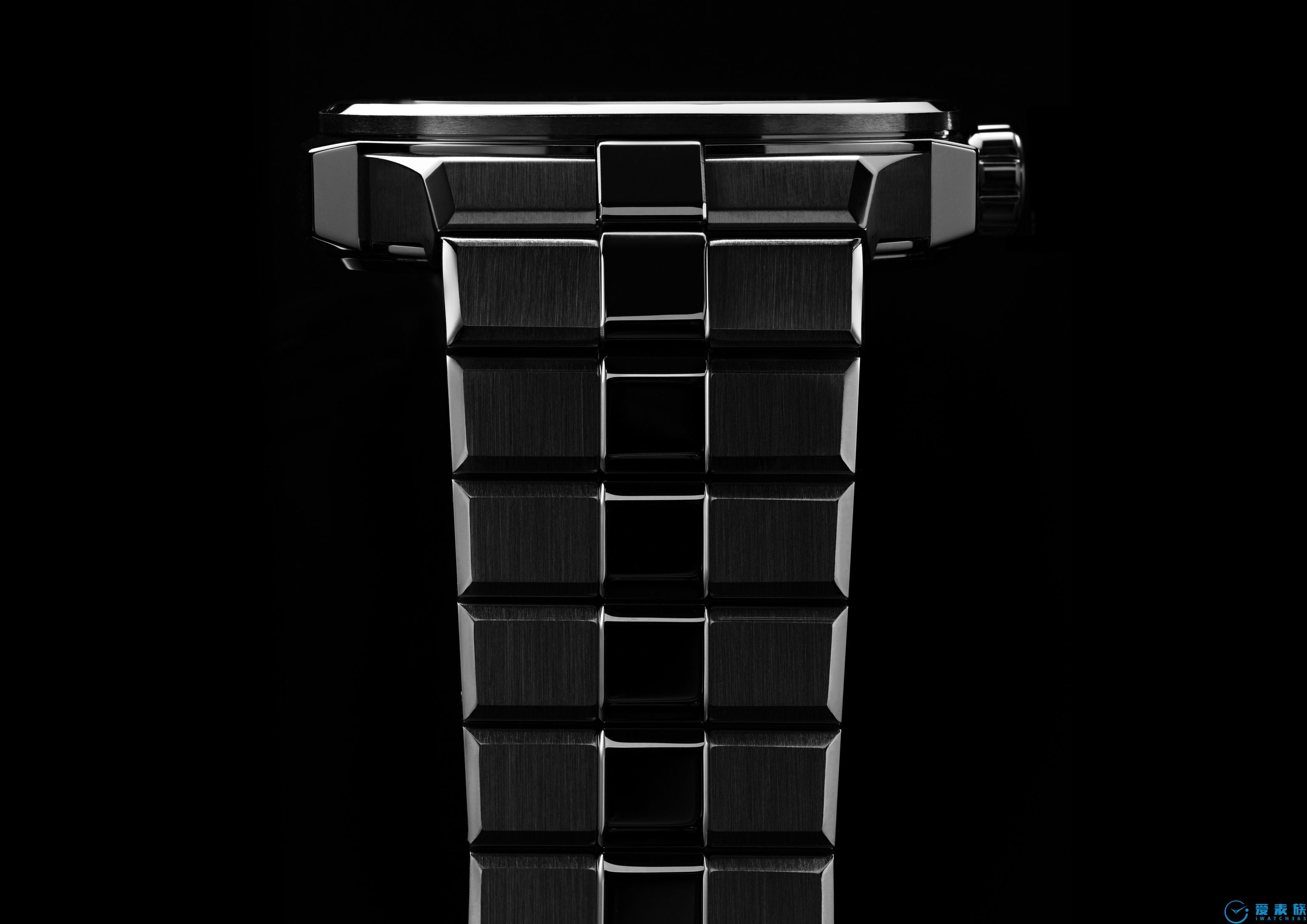 "Chopard萧邦推出全新Alpine Eagle系列腕表 以传承之力致献当代""雄鹰"""
