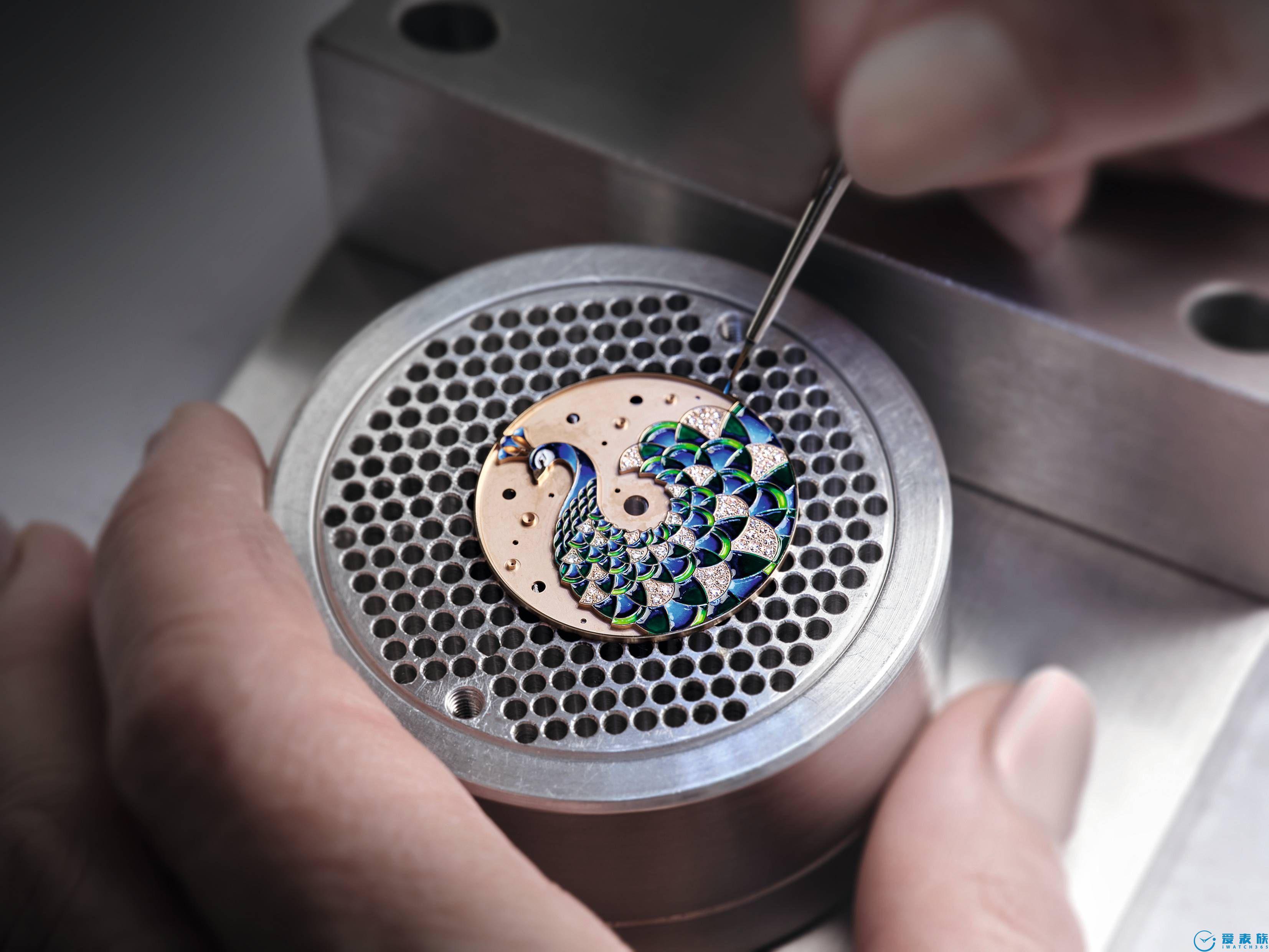 寶格麗整合腕表外觀部件制造業務制表廠集表殼、表鏈和表盤生產制造于一體