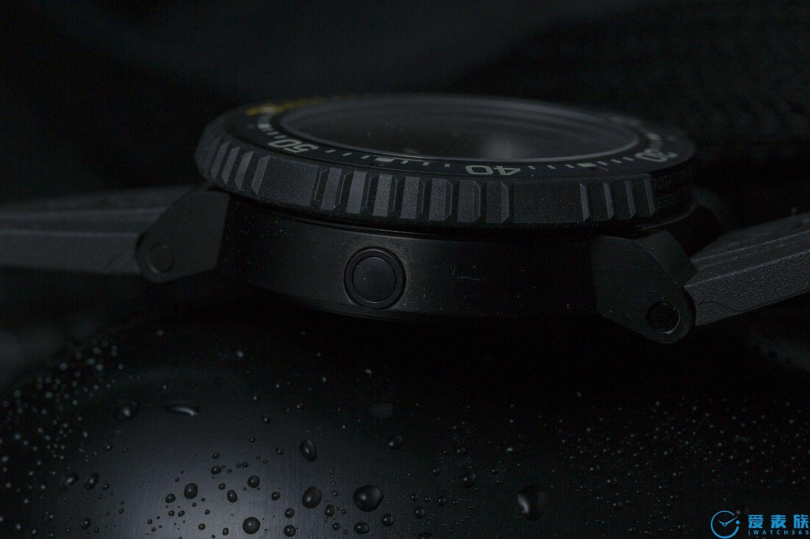 """""""解锁""""豪利时旗舰潜水表   Aquis Pro Date Calibre 400"""